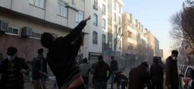 """مسؤول إيراني يتهم """"استخبارات أجنبية"""" بقتل عدد من المتظاهرين"""