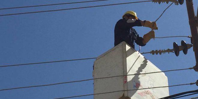 مركز صيانة كهرباء شهداء الجراحي: ينجز أعمال صيانة التوصيلات الكهربائية لمغذيات ال١١ك ف