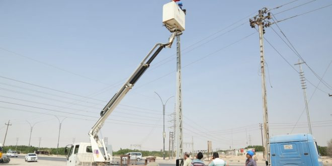 فرع توزيع كهرباء شمال البصرة ينفذ مشروع استحداث مغذي 11ك.ف في قضاء الزبير