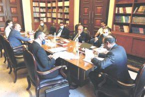 وزير الثقافة يبحث مع مستشاري رئيس الوزراء مشروع قانوني العطلات الرسمية واليوم الوطني العراقي
