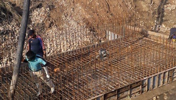 طرق وجسور تستأنف العمل بمشروع طريق سيد الشهداء في ناحية الخيرات