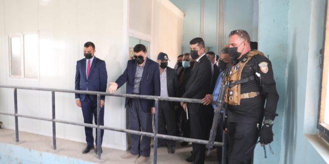 وزير الموارد المائية يجري جولة تفقدية للأطلاع على مشروع إستصلاح إراضي ديوانية _ شافعية