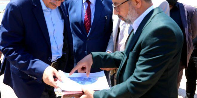 وزير الموارد المائية من محافظة النجف الاشرف يوجه بغلق وتحجيم الأبار الغير نظامية حفاظا على المياه الجوفية من الهدر