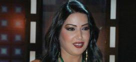 """فنانة مصرية مشهورة تثير الجدل وتقدم نصيحة """"غريبة"""" للطلاب بشان الامتحانات"""